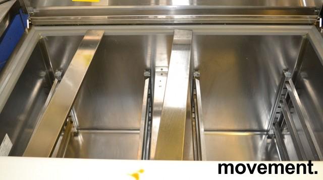 Infrico fryseskap med topp-åpning og dører, bredde 98cm, høyde 87cm, pent brukt bilde 3