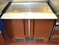 Infrico kjøleskap med topp-åpning og dører, bredde 98cm, høyde 87cm, pent brukt