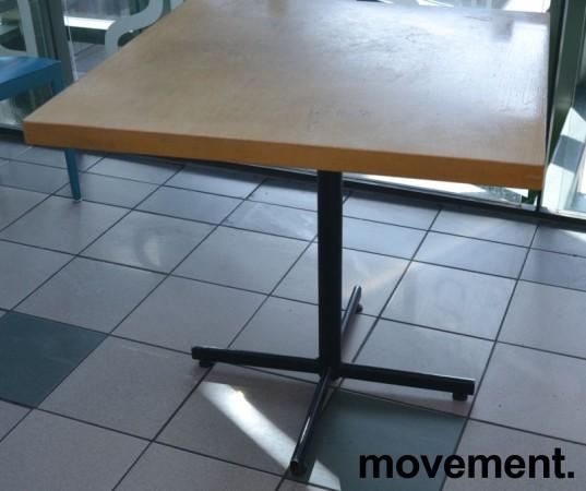 Kafebord med bordplate i eik finer, 80x80cm bordplate, 75cm høyde, brukt bilde 1