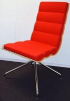 ForaForm Getz konferansestol i rødt stoff / eik rygg, firpassfot med sving, pent brukt