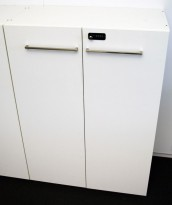 Ragnars 3H skap med dører, i hvitt med kodelås, 80cm bredde, 114,5cm høyde, pent brukt