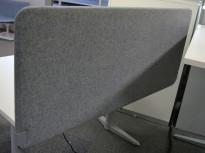 Bordskillevegg i grått stoff, 140x60cm, NY / UBRUKT