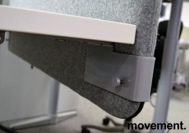 Bordskillevegg i grått stoff, 120x60cm, NY / UBRUKT bilde 3