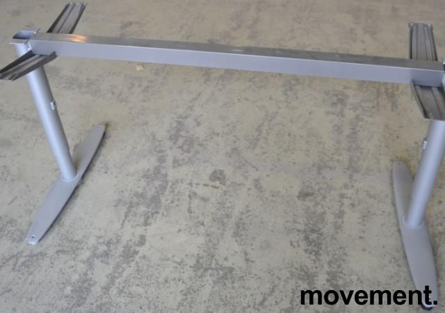 Kinnarps T-serie understell, passer bordplate 160cm, pent brukt