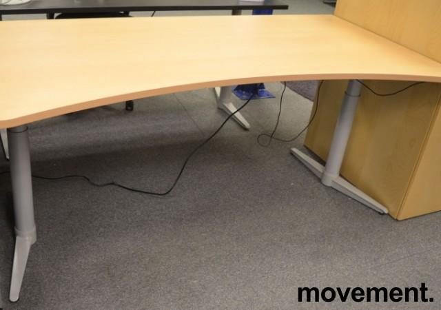 Edsbyn skrivebord med elektrisk hevsenk i bøk, 180x90cm, mavebue, NY PLATE / pent brukt understell bilde 1
