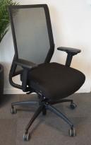 Wagner ErgoMedic 100-2 kontorstol i sort stoff / rygg i sort mesh, pent brukt