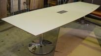 Møtebord i hvitt, understell i krom, 360x110cm, passer 12-14 personer, pent brukt