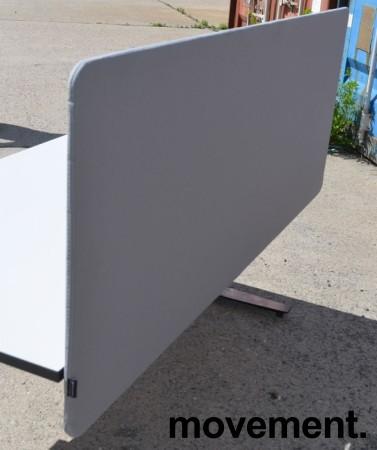 Bordskillevegg i lyst grått stoff fra Götessons, 160x65cm, pent brukt bilde 2