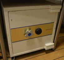 Brannskap / safe med kodelås fra Rosengrens, bredde 68cm, høyde 80cm, pent brukt