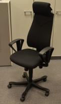 Kinnarps Synchrone 8000  kontorstol med nakkepute i sort stoff, pent brukt