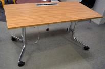 Klappbord på hjul / sammenleggbart arbeidsbord/kursbord i valnøtt / krom fra König Neurath, 140x70cm, pent brukt