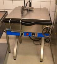 Fribergs VKF 25 stekebord med tipp, for storkjøkken, 70cm bredde, 400V, pent brukt