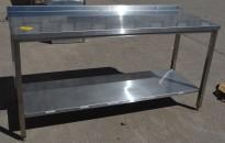 Arbeidsbenk i rustfritt stål 180cm bredde, 70cm dybde, 90cm høyde, pent brukt