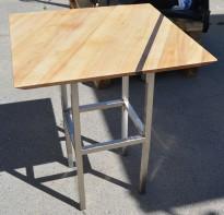 Kafebord med bordplate i trefarget laminat, 65x65cm bordplate, 77cm høyde, pent brukt