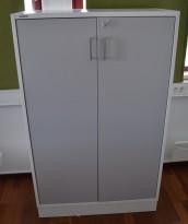 Svenheim Titan skap i hvitt med grå dør, 3permhøyder, bredde 80cm, høyde 128cm, pent brukt