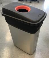 Søppelspann i rustfritt stål / plast, med rundt innkast for flasker etc, pent brukt