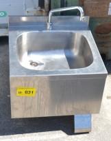 Håndvask / servant i rustfritt stål med blandebatteri, knebetjening, pent brukt