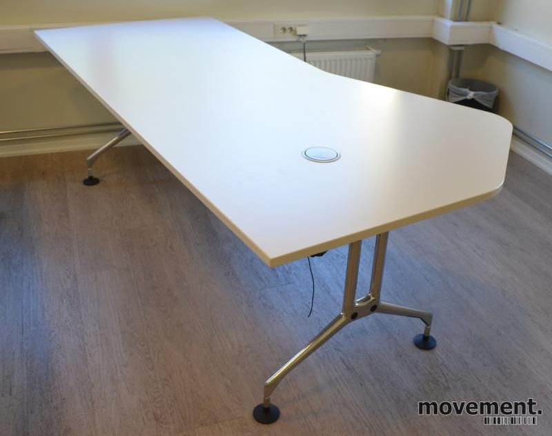 Wonderful Skrivebord / arbeidsbord fra Vitra i lysgrå / krom, 220x120cm YA-11