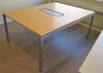 Møtebord / arbeidsbord i bjerk fra Kinnarps, 120x160cm, pent brukt