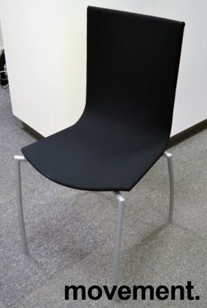 Kinnarps Citra konferansestol / kantinestol / stablestol, nytrukket i sort stoff / grått understell, NYTRUKKET bilde 1