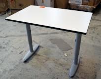 Sidebord til skrivebord 100x60cm i Kinnarps  T-serie, hvit med sort kant, grå ben, pent brukt