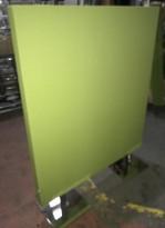 Frittstående lys grønn skillevegg fra Zilenzio, 120cm bredde, 152cm høyde med føtter, pent brukt