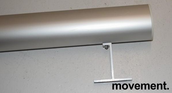 Lerret for prosjektor: Lintex 200cm bredde med manuelt nedtrekk, kasse i aluminium, pent brukt bilde 3