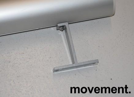 Lerret for prosjektor: Lintex 200cm bredde med manuelt nedtrekk, kasse i aluminium, pent brukt bilde 4