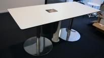 Kompakt møtebord i hvitt med sort kant / krom, 180x80cm, 4-6 personer, pent brukt