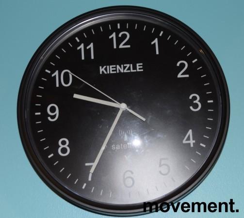 Veggklokke / veggur fra Kienzle / Satelitt-klokke, Ø=27 cm, pent brukt bilde 1