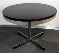 ForaForm Planet loungebord i sort med krom fot, Ø=70cm, H=50,5cm, Design: Dysthe, pent brukt
