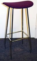 Barkrakk / barstol, Cornflake fra OFFECCT, lilla stoffsete / krom understell, 81cm høyde, pent brukt