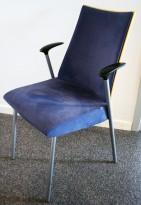 Konferansestol fra ForaForm, modell Viva II i bjerk/mørkeblå comfort/mikrofiber/krom, pent brukt BILLIGKROKEN
