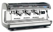 Proff espressomaskin fra LaCimbali, M39 Dosatron, 3gruppers, brukt, mangler noen knotter etc.