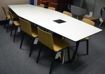 Møtebord i hvitt med sort kant / krom, 300x120cm, passer 10-12 personer, pent brukt