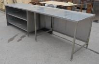 Arbeidsbenk i rustfritt stål 324cm bredde, 82cm dybde, 93cm høyde, pent brukt