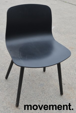 HAY About a chair AAC 12 i sort plast / sortbeiset ask, brukt bilde 1