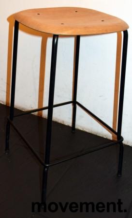 Stablebar barkrakk i eik / sortlakkert understell, sittehøyde 66cm, pent brukt bilde 2