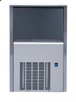 Isbitmaskin for restaurant/bar, 43,5cm bredde, GGM modell EWI42 V2 / 42kg/døgn, pent brukt