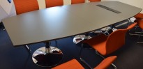Møtebord i grått / krom fra AJ Produkter, 320x120cm, passer for 10-12 personer, pent brukt