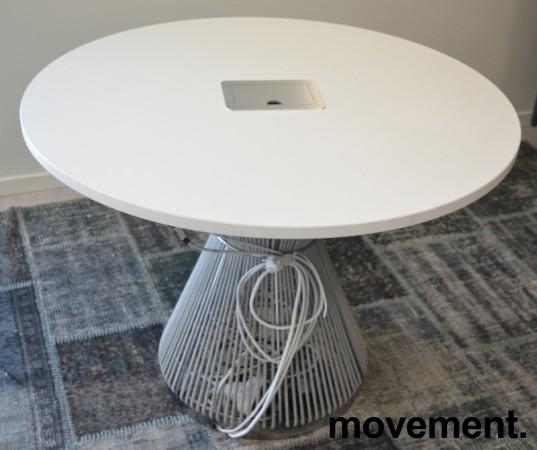 Rundt møtebord i hvitt / grått fra Karl Andersson & Söner, modell Hide med kabelboks, design: WIS Design, Ø=100cm, pent brukt bilde 1