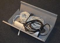 TIlbehør til møtebord: Kabelholder med strømkontakt / nettverk for å feste under bordplate, pent brukt