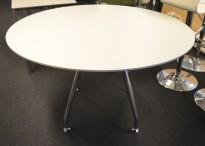 Lekkert, rundt møtebord fra Duba B8 i hvitt / krom, Ø=120cm, H=73cm, pent brukt