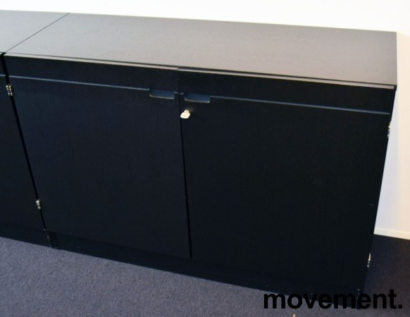 Ringpermreol med dører i sort farge, 120cm bredde, 85cm høyde, 2 permhøyder, pent brukt bilde 1