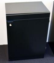Lav ringpermreol med dører i sort farge, 60cm bredde, 85cm høyde, 2 permhøyder, pent brukt