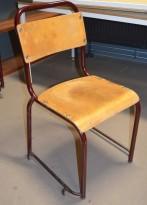 Solid skolestol / stablestol i rødlakkert metall / sete i finer, brukt vintage / retro