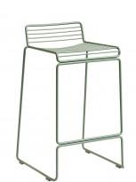 Barstol fra HAY, modell HEE i fall green (lys grønn), 65cm sittehøyde, pent brukt