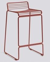 Barstol fra HAY, modell HEE i rust (rød), 65cm sittehøyde, pent brukt, noe avskalling i lakk
