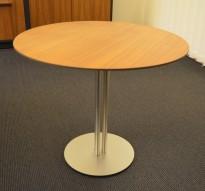 Rundt loungebord i valnøtt / satinert, Ø=60cm, høyde 51cm, pent brukt med noe slitasje