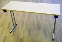 Konferansebord / klappbord fra ForaForm i bjerk laminat understell i krom, 120x45cm bordplate, brukt med noe slitasje i plater